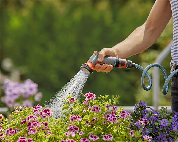 Watering penetratingly